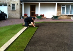 Landesign Ltd - Lawn Turf / Patios in Fleet